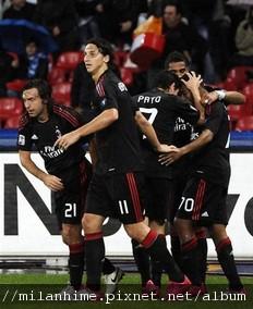 Milan-20101025-Napoli-Robinho-goal-歡慶s.jpg