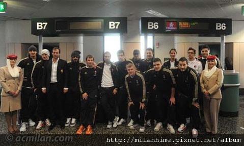 Milan-Dubai冬訓-20101127-大合照.jpg