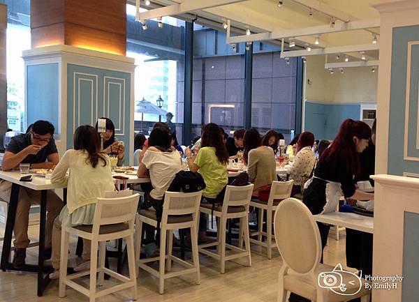 dazzling-cafe-12.jpg