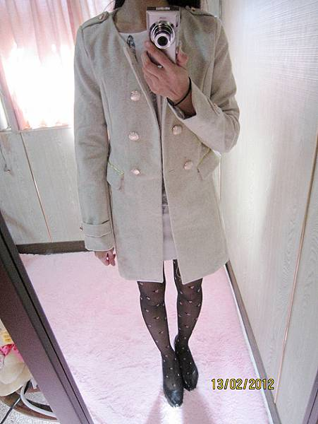 羊毛呢 修身 雙排扣 肩章長版大衣˙氣質米