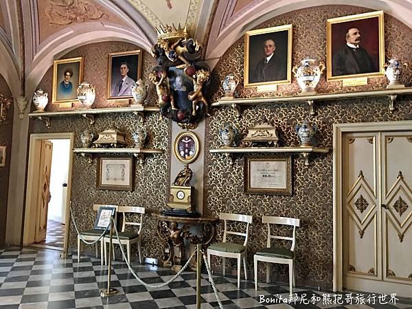 百年修道院藥妝店2.jpg