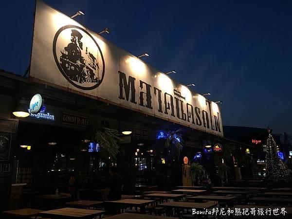 曼谷鐵道夜市4.jpg