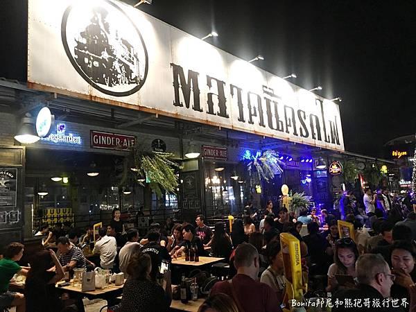 曼谷鐵道夜市28.jpg