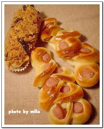 鮮奶麵團,肉鬆&熱狗