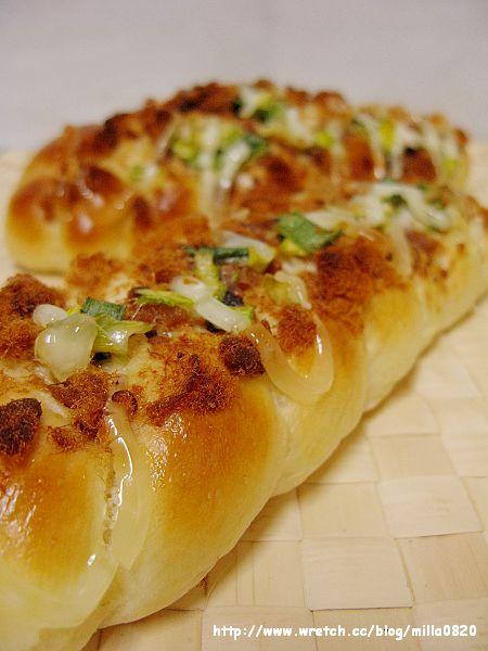 蔥花肉鬆麵包