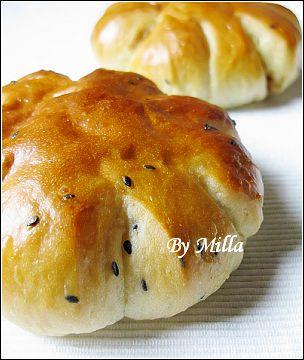 黑芝麻地瓜麵包  ──  花生