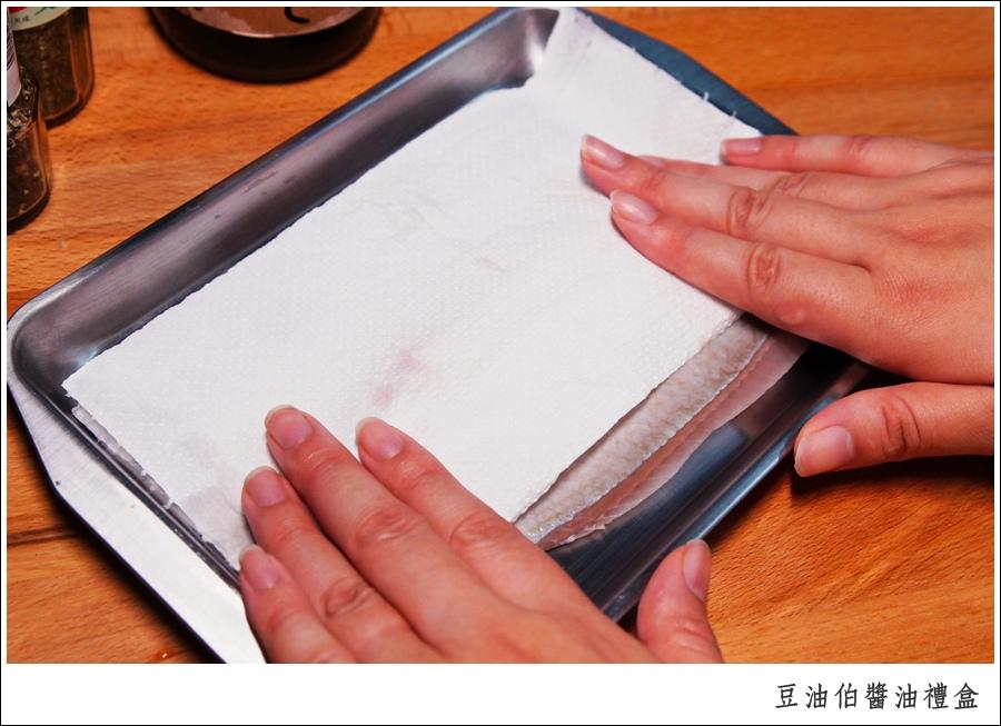 醬釀虱目魚-醬油料理推薦-豆油伯醬油伴手禮盒4-millychun0002.jpg
