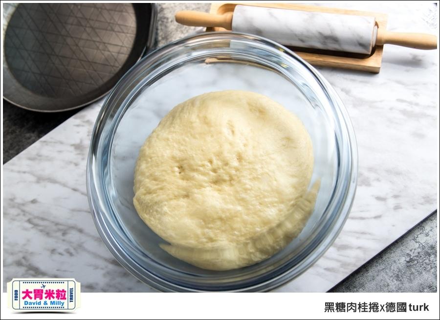 德國turk鍛造鐵鍋開鍋-肉桂捲食譜@大胃米粒_015.jpg