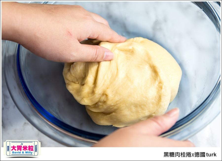 德國turk鍛造鐵鍋開鍋-肉桂捲食譜@大胃米粒_020.jpg