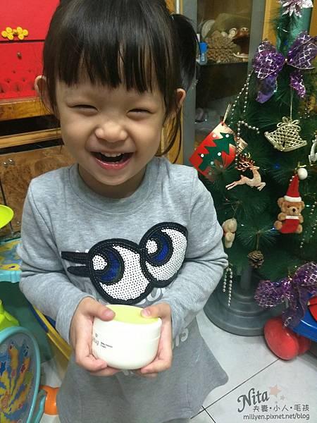 育兒保養品推薦韓國Hug-寶寶修護舒緩霜、100%蘆薈舒緩爽身凝膠乾癢、脫屑,舒緩滋潤柔嫩肌膚,孕婦也能使用115.jpg