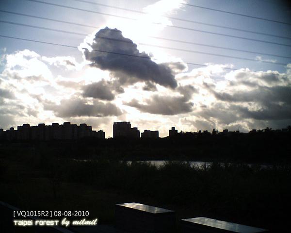 vq1015_0808-2.jpg
