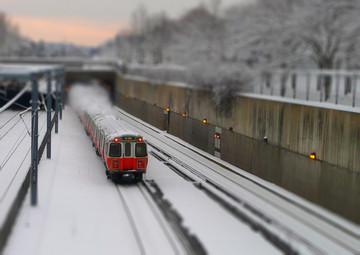 orange-line-train-small