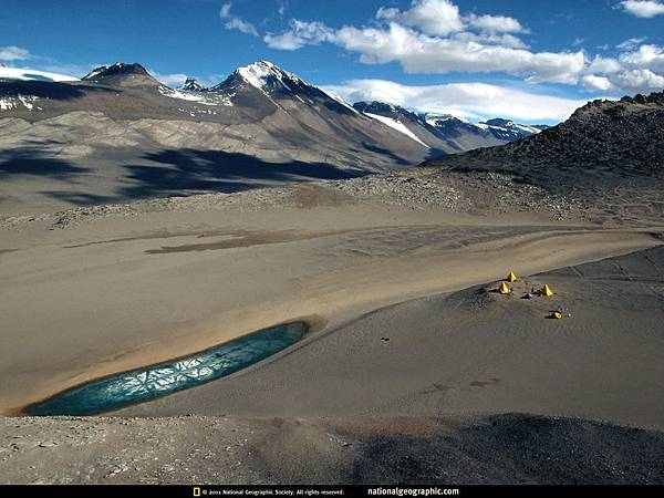 antarctica-dry-valley-516357-lw