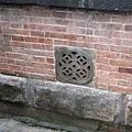 通氣孔作成錢幣的形狀