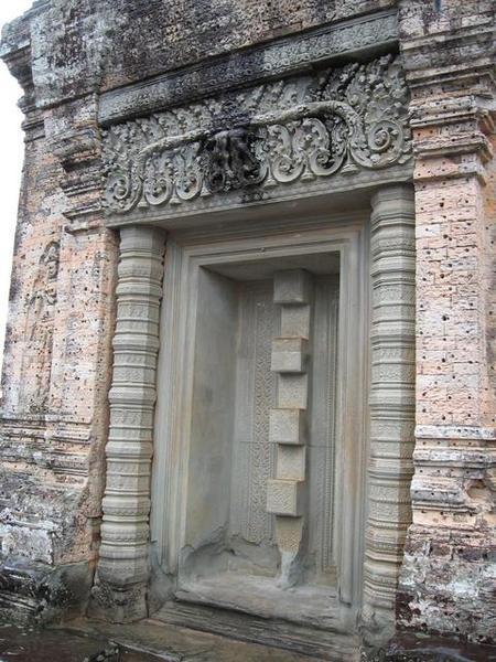 吳哥建築特色:假門,以及colontte