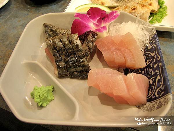 小春日本料理-時令生魚片
