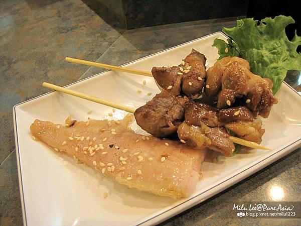 小春日本料理-烤雞肉串&烤味噌魚