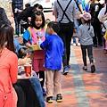 親子生活紀錄-西門國小跳蚤市場-054.jpg