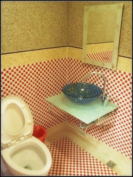 我們都很喜歡他們家的廁所 (簡單乾淨舒服)