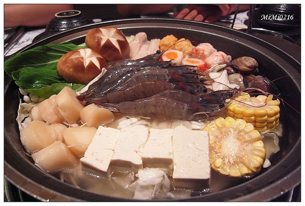 我們點海鮮火鍋,湯頭真棒。