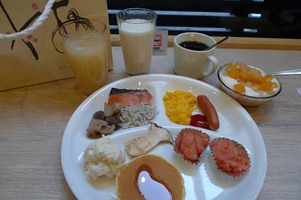 Hotel Active 博多-11 0208 breakfast.JPG