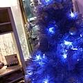 店裡的紫色聖誕樹(^^)