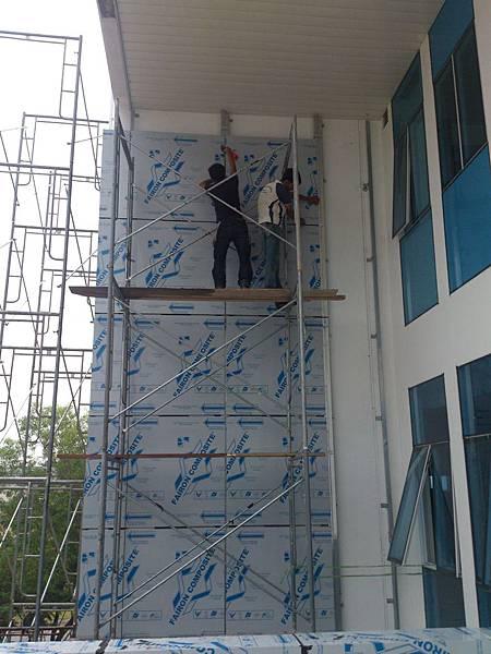 外牆鋁塑版施作 (2).jpg