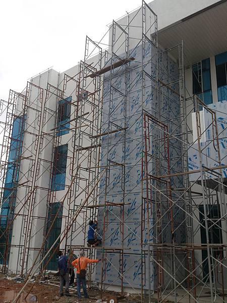 外牆鋁塑版施作 (3).jpg
