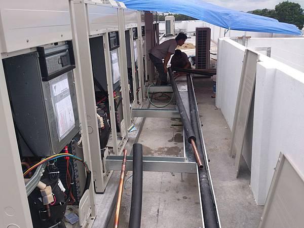 空調VRV系統室外機組裝 (2).jpg