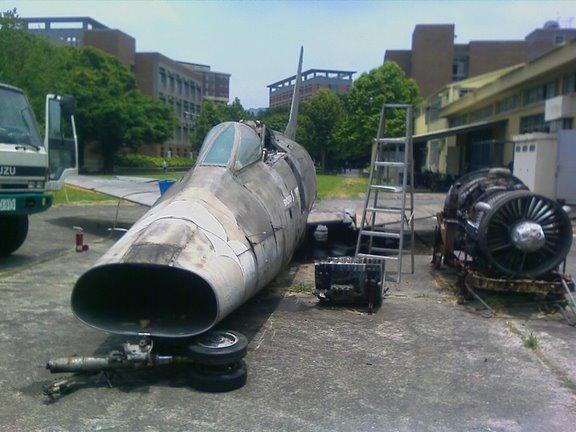 F-100_000.jpg