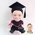 Amos-YU-Fung 畢業公仔