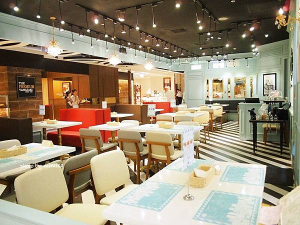 TJB cafe 10.JPG