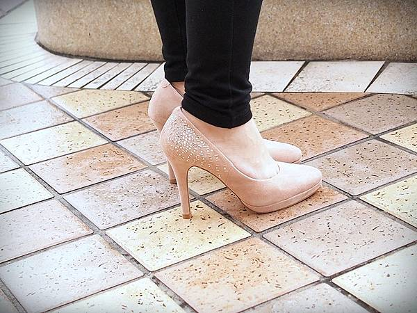 MELROSE 亮鑽粉色跟鞋 (9).JPG
