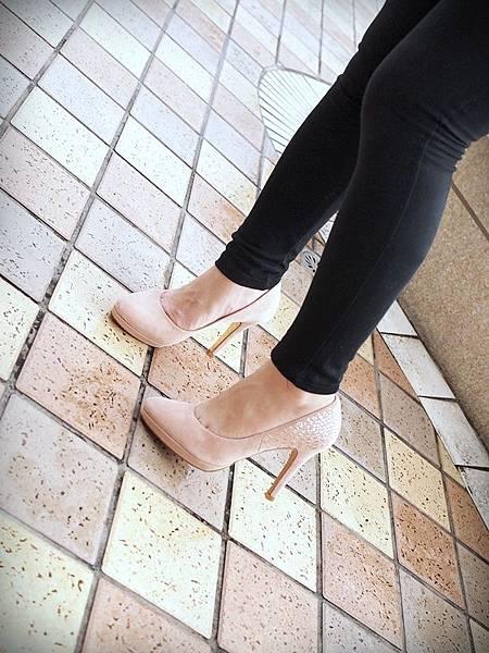 MELROSE 亮鑽粉色跟鞋 (12).JPG