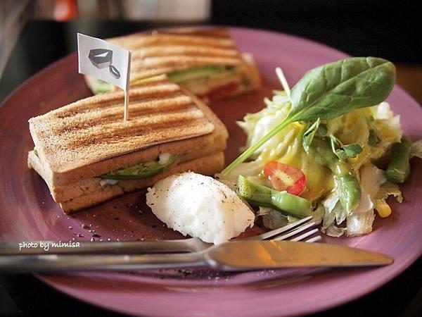 Merry Cafe (18).JPG