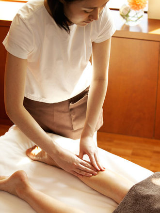 massage(leg)~1(elle.co.jp).jpg