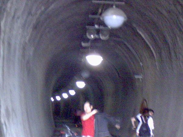 九號隧道口