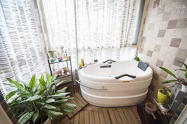 二樓主臥室 浴缸 拷貝.jpg