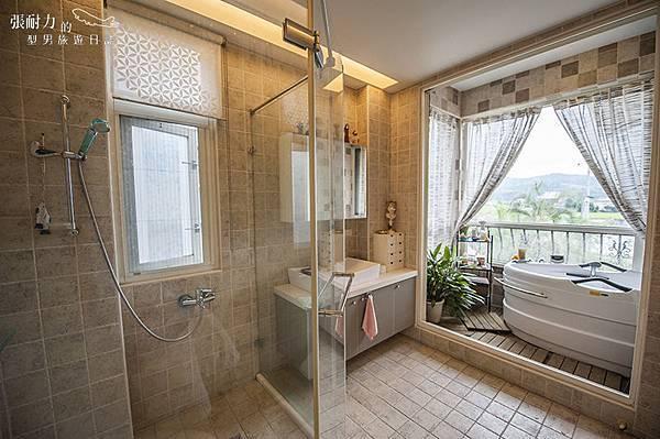 二樓主臥室 浴缸二 拷貝.jpg
