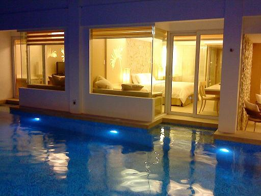 rooms-17-20110430140757-Pool Access Rooms