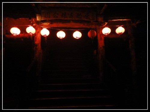 夜晚的廟寺