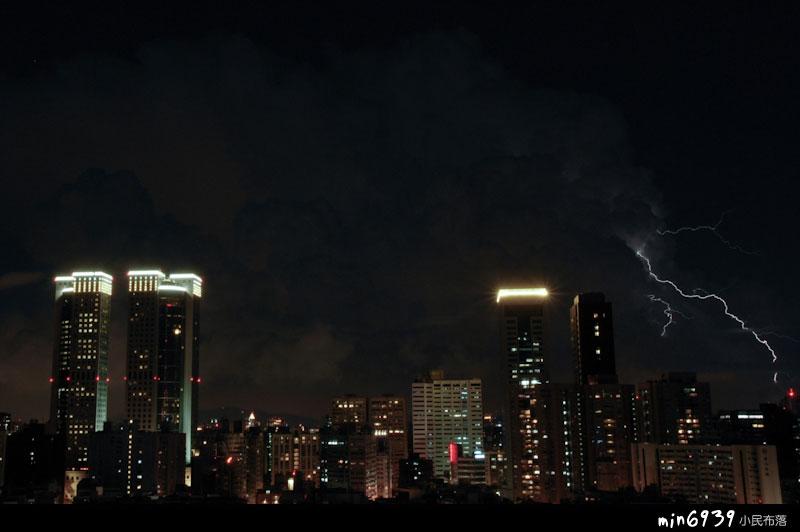 最後拍到一張閃電…