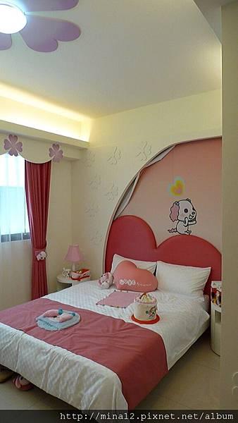 小桃紅房間