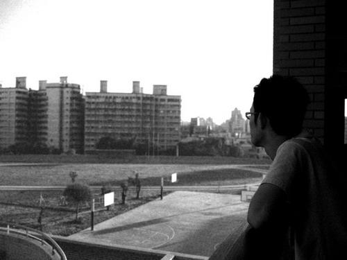 到家隔壁的學校散步 / 2007