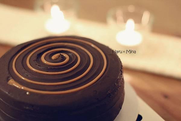 Black As Chocolate 焦糖香蕉巧克力蛋糕