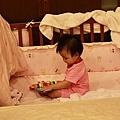 爸比跟媽咪重新整理了我的小床
