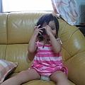 慈慈:媽咪,我幫你照相