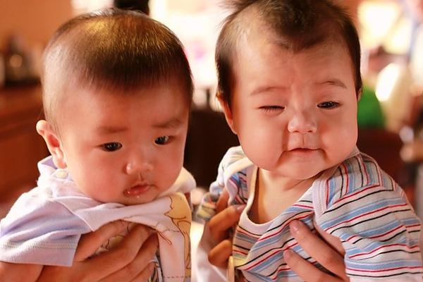 寶貝 妳那是蝦米表情哩