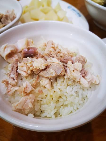 嘉義必吃菜單:林聰明沙鍋魚頭雞肉飯