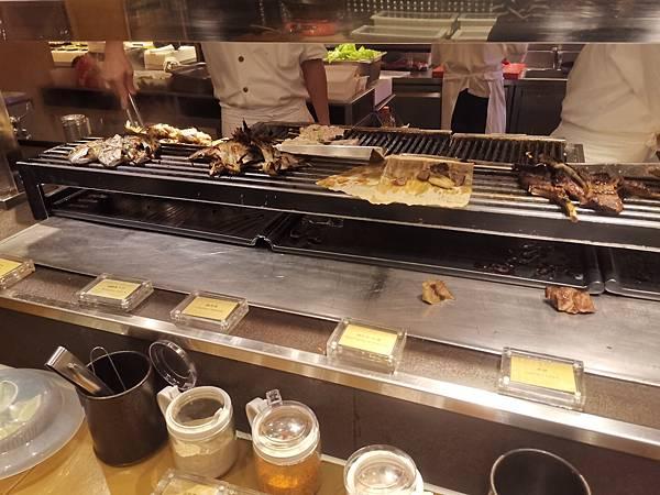 台北君悅酒店彩日本料理烤魚區